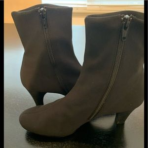 Paul Green 5 7 black cloth stretch ankle boots